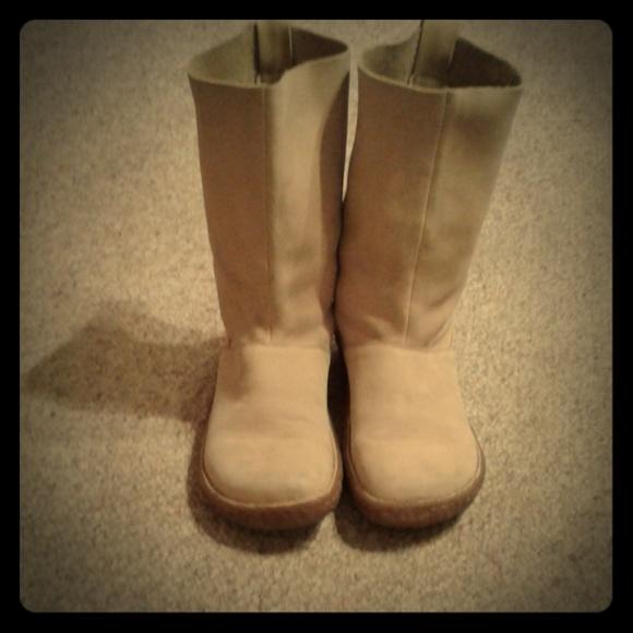 Euc Born Nubuck Leather Pull On Boots